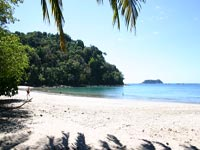 the clean ocean in Manuel Antonio